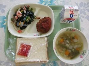食パンとピーマンの肉詰めフライ