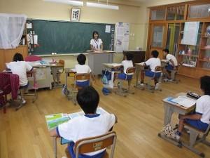 5年生の社会の学習です。先生の話がおもしろい。\