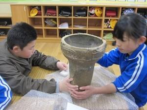 これも縄文中期の土器