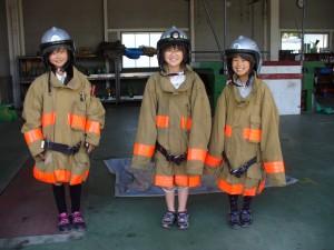 消防服を着せてもらいました。\