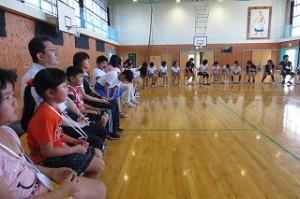 次に全校でフルーツバスケットをしました。\