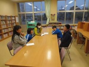 図書委員会では,図書の利用者を多くするためのイベントについて話し合いました。どんなイベントか楽しみです。\