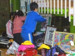 運営委員会は,豊津小自慢のエントランス掲示物を張り替えてくれました。\