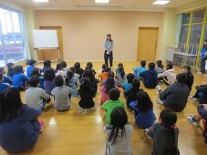 長谷川先生のお話がありました。「自宅のひな祭りのお話と給食主任の立場から野菜を摂りましょう。」の内容でした。\