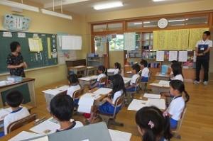 2年生が国語「トマトのちえ」の授業研究をしました。\