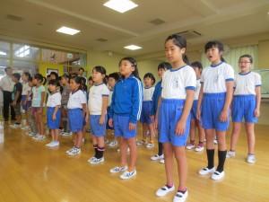 校歌を元気に歌いました。\