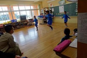 「学習発表会をしよう」で国語から体育までできるようになったことを発表していました。\