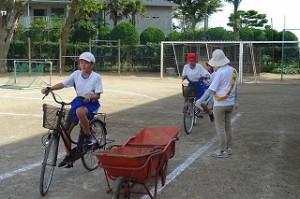 5,6年生も自転車の乗り方ですが、路上駐車想定など難易度アップ